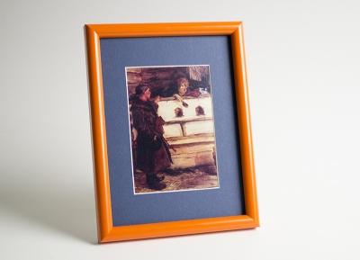 Рамка А4 пластиковая, цвет - оранжевый матовый, профиль - полукруглый 14 мм