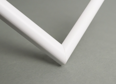 Рамка А4 пластиковая, цвет - белый матовый, профиль - полукруглый 13 мм