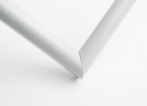 Рамка А4 пластиковая, цвет - белый глянцевый, профиль - полукруглый 13 мм