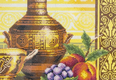Натюрморт с персиком