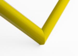 Рамка А4 пластиковая, цвет - желтый глянцевый, профиль - полукруглый 13 мм